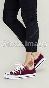 Fotka Květinové Tetování Na Kotník 136554244 Fotobanka Fotkyfoto