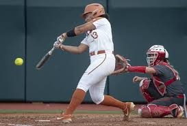 It wasn't perfect, but Texas softball stays perfect with 3-2 win over UNT |  Hookem.com