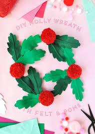 diy felt and pom pom holly wreath