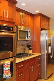 Cherry Shaker Kitchen Cabinets Shaker Style Cherry Kitchen Cabinets