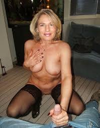Pics naked handjob amateur milf