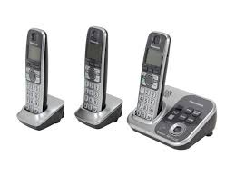 Panasonic Cordless Phone Compatibility Chart Panasonic Kx Tg7733s 1 9 Ghz Digital Dect 6 0 Link To Cell Via Bluetooth Cordless Phone With Integrated Answering Machine And 3 Handset