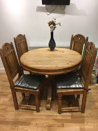 solid wood round table and 4chairs set rustic style used but in very good
