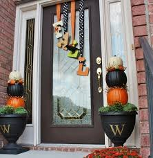 front door decoration67 Cute And Inviting Fall Front Door Dcor Ideas  Holidays