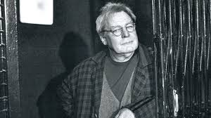 Sir Alan Parker, director of Bugsy Malone and Evita, dies aged 76 - BBC News