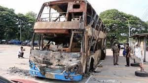 ตร.ขอนแก่นเผย วิศวกรชี้รถทัวร์เบรกค้างร้อนจัดทำล้อระเบิดไฟไหม้ตาย 5 ศพ