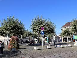 Sie besuchte in ihrer jugend die greenwich academy, eine private mädchenschule in ihrer heimatstadt. Heidelberg De Rohrbach