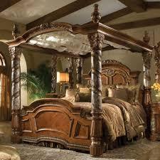 Villa Valencia Antique Four Poster Canopy Bed Bedroom Design - Small ...