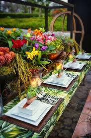 How to create a caribbean tablescape at your wedding, tropical wedding decor  ideas 1.