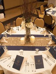 Incorporate some burgundy in there and this table set up would be perfect!  I like the two toned table runners.