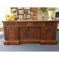 oval office resolute desk. PD 027 \ Oval Office Resolute Desk A