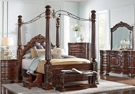 Southampton Walnut (dark brown) 8 Pc King Canopy Bedroom - Traditional