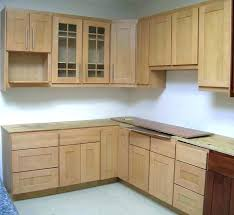 natural maple cabinets with granite countertops white yellowing