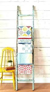 how to hang a blanket hang blanket on wall how to hang a quilt ways to hang quilts love this vintage hang blanket on wall how