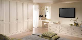 classic white bedroom furniture