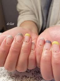 グレーイエローで大人な組み合わせの春フレンチネイル Nails