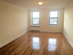huge pletely renovated 1br with a separate kitchen hardwood floors richmond hill