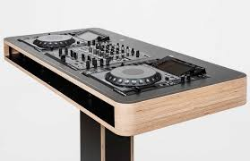 Hoerboard Stereo T DJ Stand Can Collapse Into A Portable Bundle
