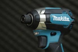 Máy Vặn Vít Dùng Pin (18V) Makita DTD153RTE (kèm 2 pin 5.0Ah + sạc nhanh)