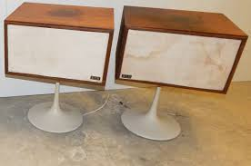 Mid Century Modern KLH Twenty Plus stereo system. Two speaker stereo unit.  Phonograph record player and AM/FM designed by Paul Price,Eero Saarinen  inspired ...