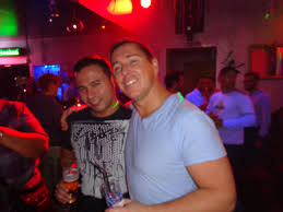 Gay bars and cluns inter