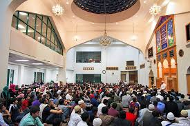 an estimated 4 000 people attended the inter mosque qiyam this year