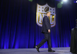 Goodell And N F L Owners Break From Players On Anthem Kneeling