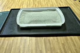senior cat litter box. Simple Litter A Litter Box With Low Sides Make Going To The Bathroom Easier For Senior  Cats To Senior Cat Litter Box G