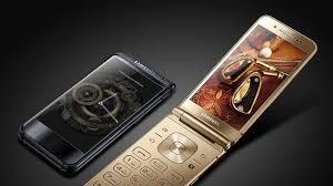 samsung flip phones 2017. samsung still thinks high-end flip phones are a thing 2017 cnet