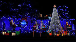 Christmas Lights House Synchronized Music This Custom Synchronized Christmas Lights Display Is Incredible
