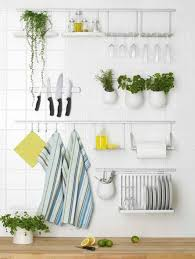 decorate small kitchens