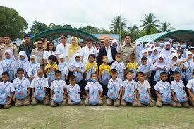 """สมาคมวางแผนครอบครัวแห่งประเทศไทย ฯ จับมือ """"ไบโอฟาร์ม""""  ออกหน่วยแพทย์เคลื่อนที่มอบถุงเปี่ยมสุขให้ประชาชน อ.ตากใบ จ.นราธิวาส -  ข่าวเด่นวันนี้"""