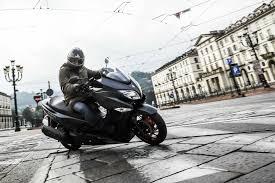 2018 suzuki 400 burgman. unique 2018 first ride suzuki burgman 400 review for 2018 suzuki burgman