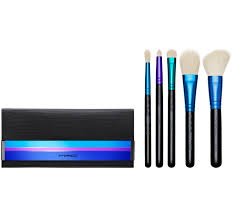 the essential enchanted eve brush set includes five essential brushes for beautiful eye and cheeks look the entire set are travel size or a bit smaller