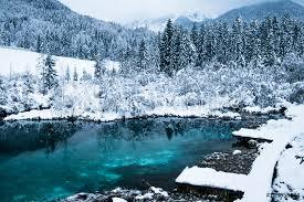fotografía beautiful winter scenery on pure lake zelenci in cloudy sunrise kranjska gora europosters es