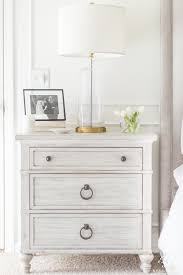 How to Mix and Match Bedroom Furniture Finishes - Kelley Nan