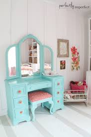 Feminine bedroom ideas are great to make the personal room of mature woman look engaging and fun. Girly Bedroom Decorating Ideas Julia Palosini