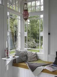 Inspiring-Window-Reading-Nook-19