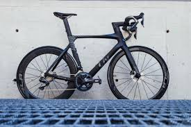 after a blind corner where there is often traffic the new enviliv advanced pro 0 disc handled it like the bike was on rails feeling tight and