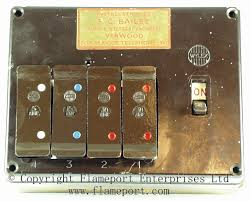 wylex standard 4 way fusebox with brown wooden frame mcb replacement for wired fuse at How To Change A Fuse In A Wylex Fuse Box