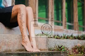 Fototapeta Henna Tetování Na Nohou Krásné Indiánské Ozdoby Mehendi Namalované
