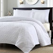 white quilt queen. Unique Quilt Full  Queen Size White Quilted Coverlet Set With 2 Shams Classic  Stitch Pattern Throughout Quilt I