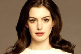 e hathaway in pale pink eyeshadow
