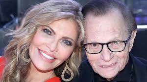 29 мая 2013 года ларри кинг продал права на своё телешоу larry king now каналу rt america, где продолжил работу. Larry King Says Age Gap And Religious Beliefs Caused Split With Wife