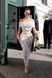 Kim Kardashian: Hinter ihrem vieldiskutierten, transparenten Vatikan-Outfit  steckt ein starkes Statement