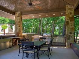 patio hanss square flame the square feet ranch style home was built in  and has four bedrooms f