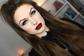 dark eyes blood red lips v day night time look you