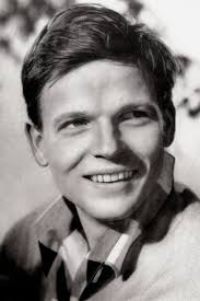 Actor Age Check - How old was David Lodge in Oh! What a Lovely War?