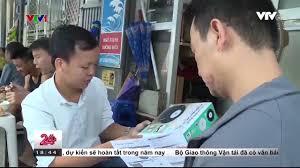 VTV24-Ngã ngửa với sự thực về Robot lau nhà thông minh giá rẻ bán đầy trên  mạng - YouTube
