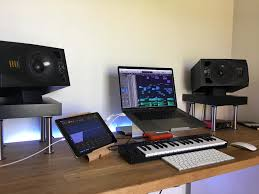 I started producing music just over 5 years ago, right about when skrillex's scary monsters and nice sprites ep dropped. Reddit Macsetups Rennetti Com